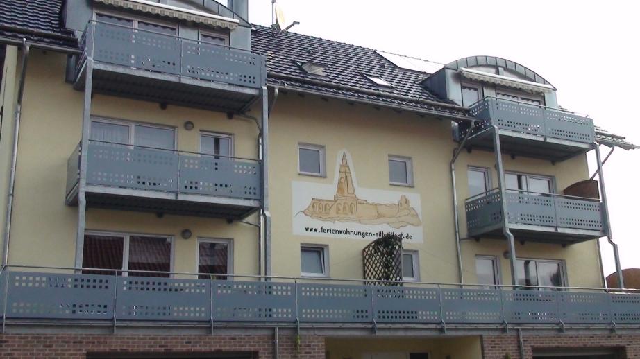 Balkone und Logo
