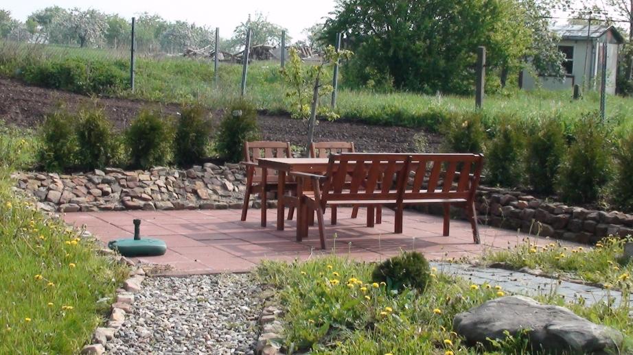 Die neue Terrasse im Mai 2009